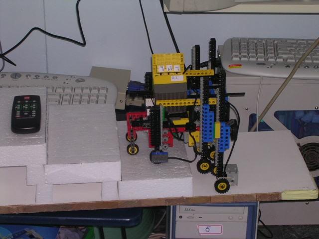 rcx创意结构:能够上楼梯的轮椅