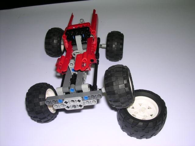 创意结构堆叠:四轮传动越野车