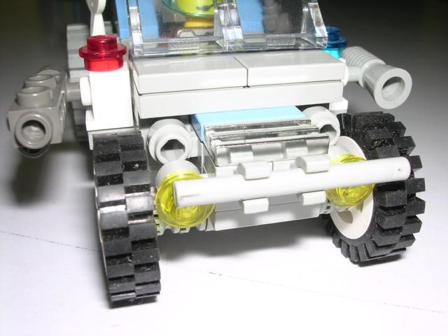 创意结构堆叠:警用吉普车